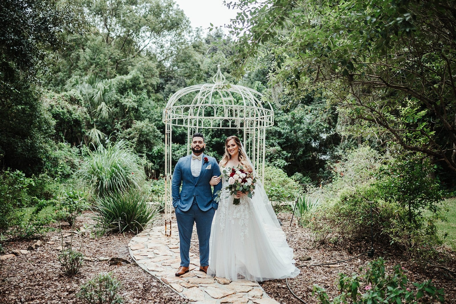 Nina + Carlos's Elegant and Traditional Garden Wedding