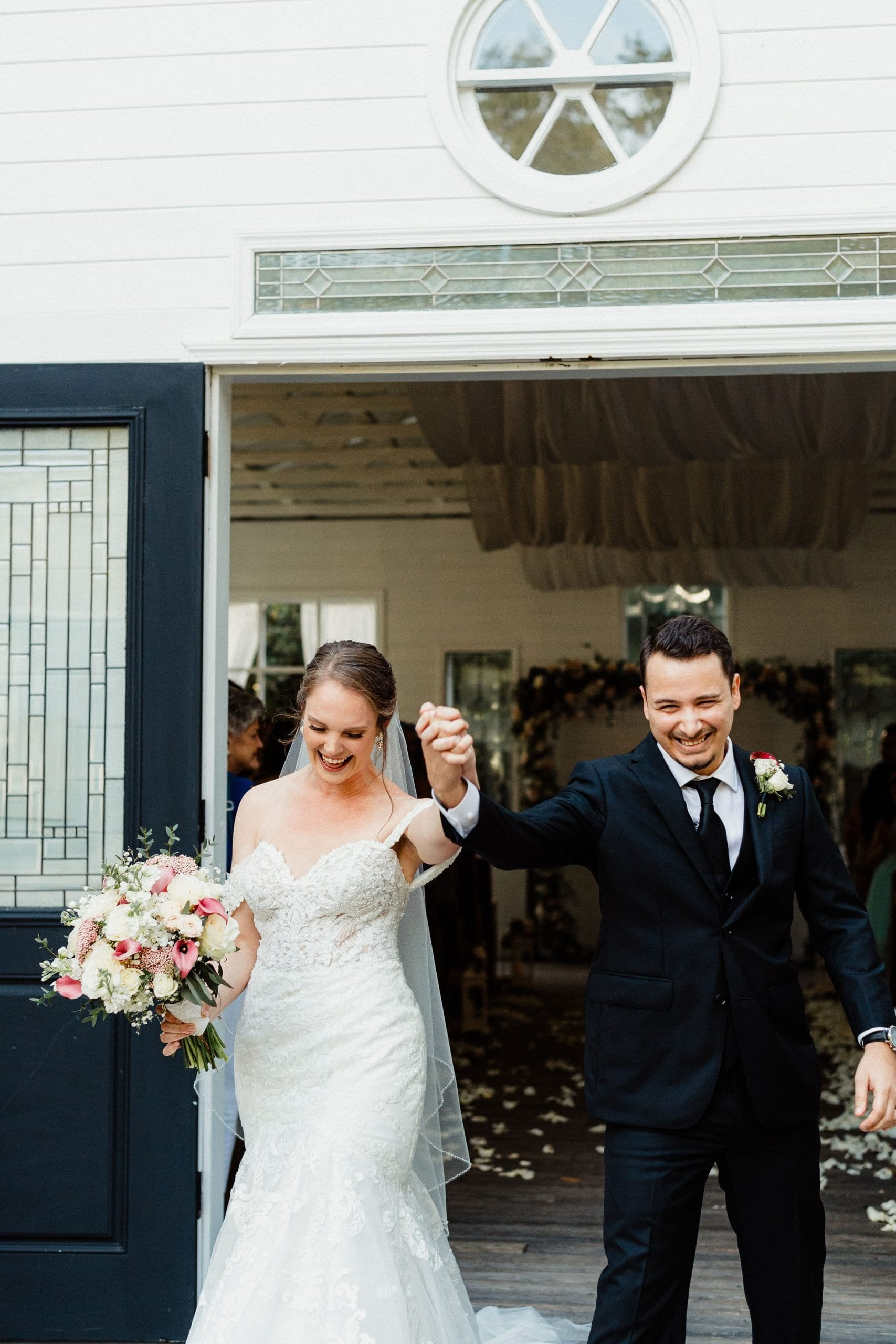 Ashley + Jonathan's Elegant Chapel Wedding