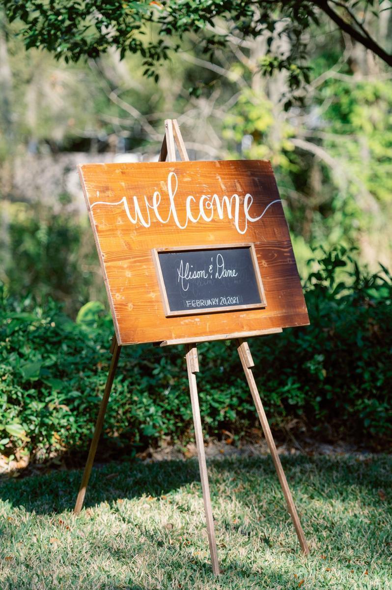 Enchanting wedding details