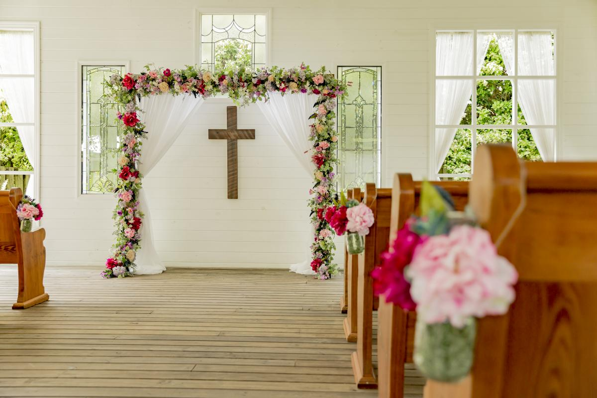 Alexa and Steven's colorful Chapel wedding