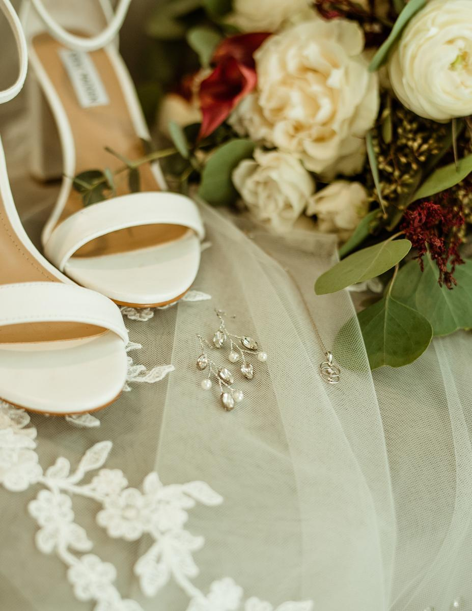 Savannah's bridal details