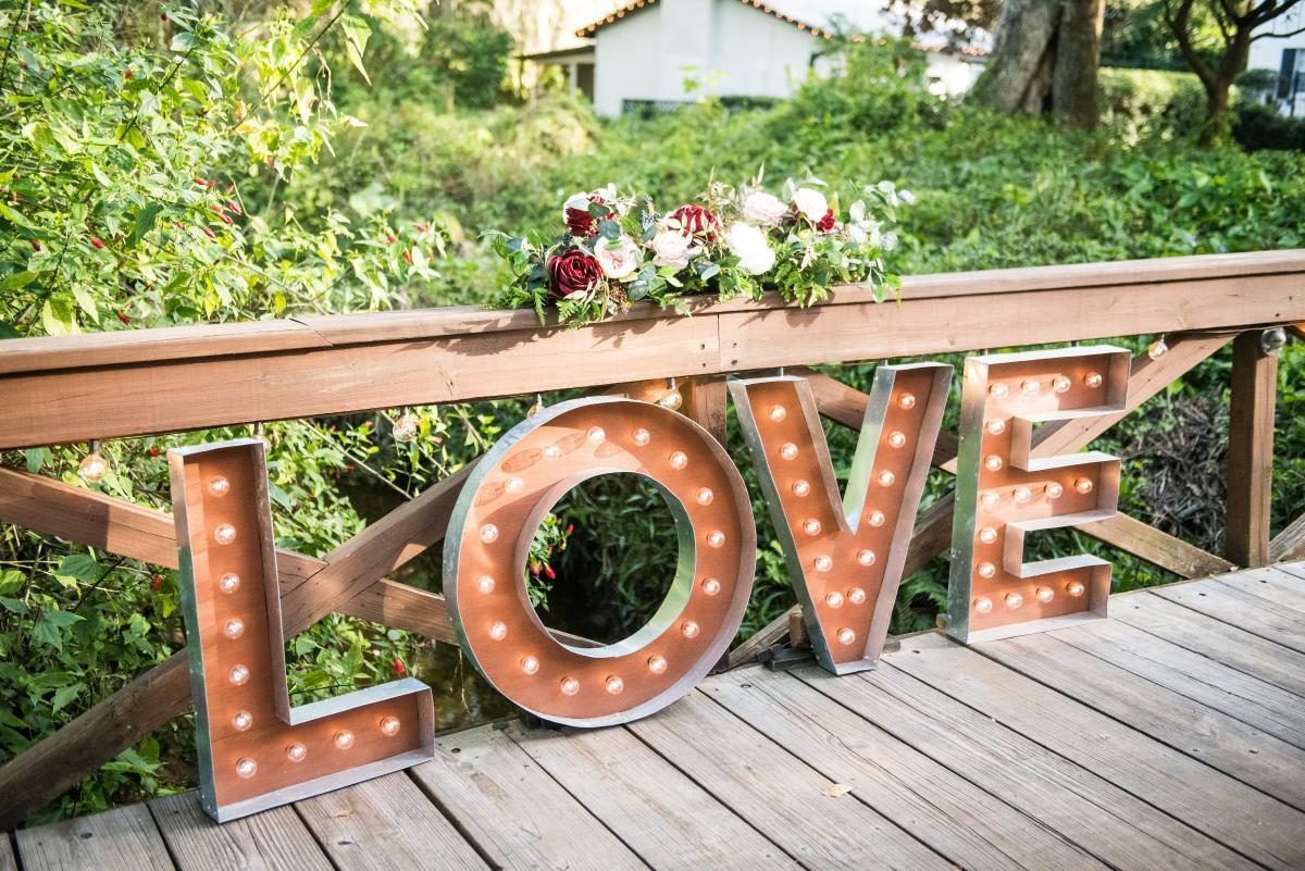 Rustic winter wedding in Florida