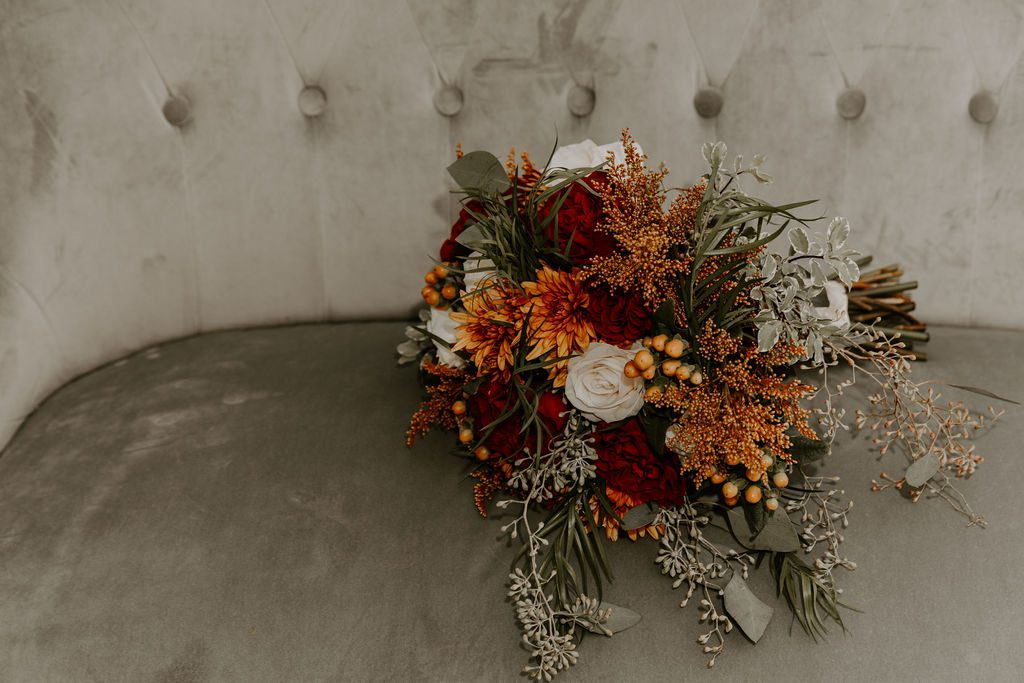 woodsy autumn wedding bouquet