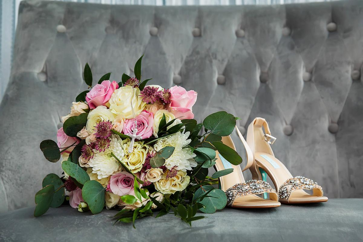 Andreina's wedding shoes and bridal bouquet