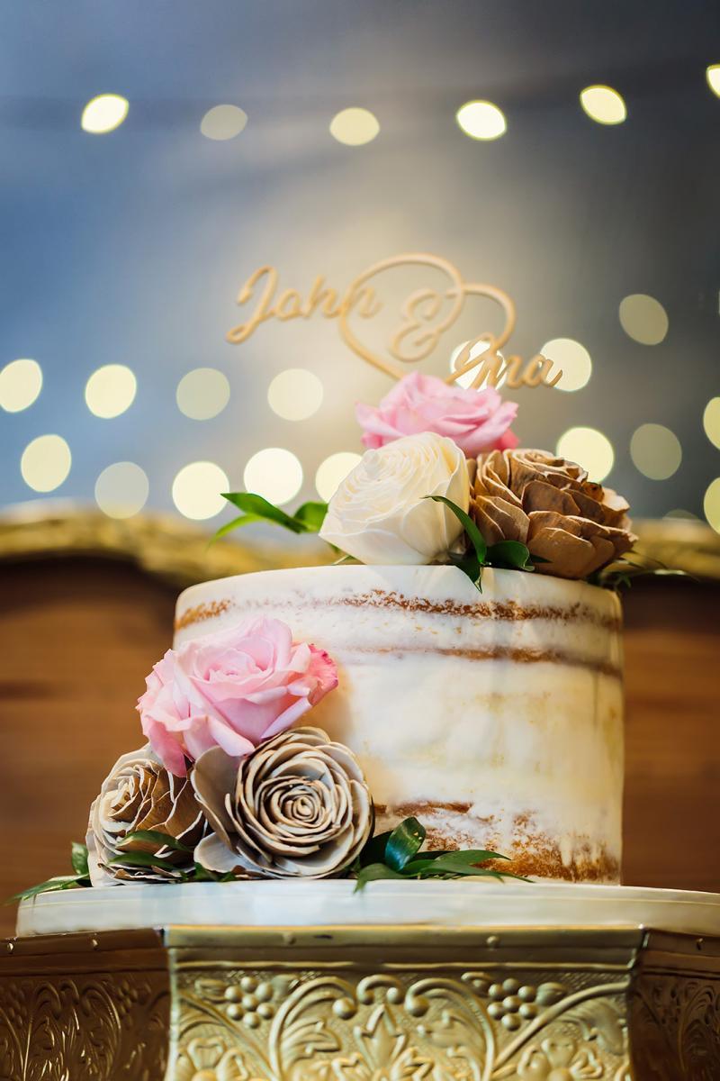 Andreina + John's wedding cake