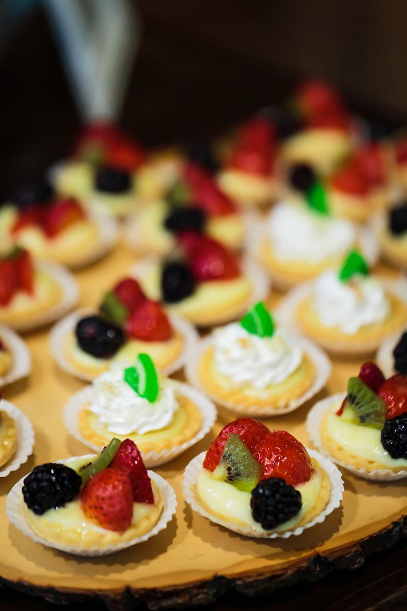 Andreina + John's wedding desserts