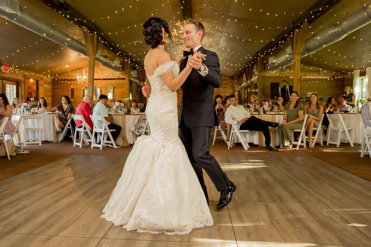 Alexa and Steven's first dance