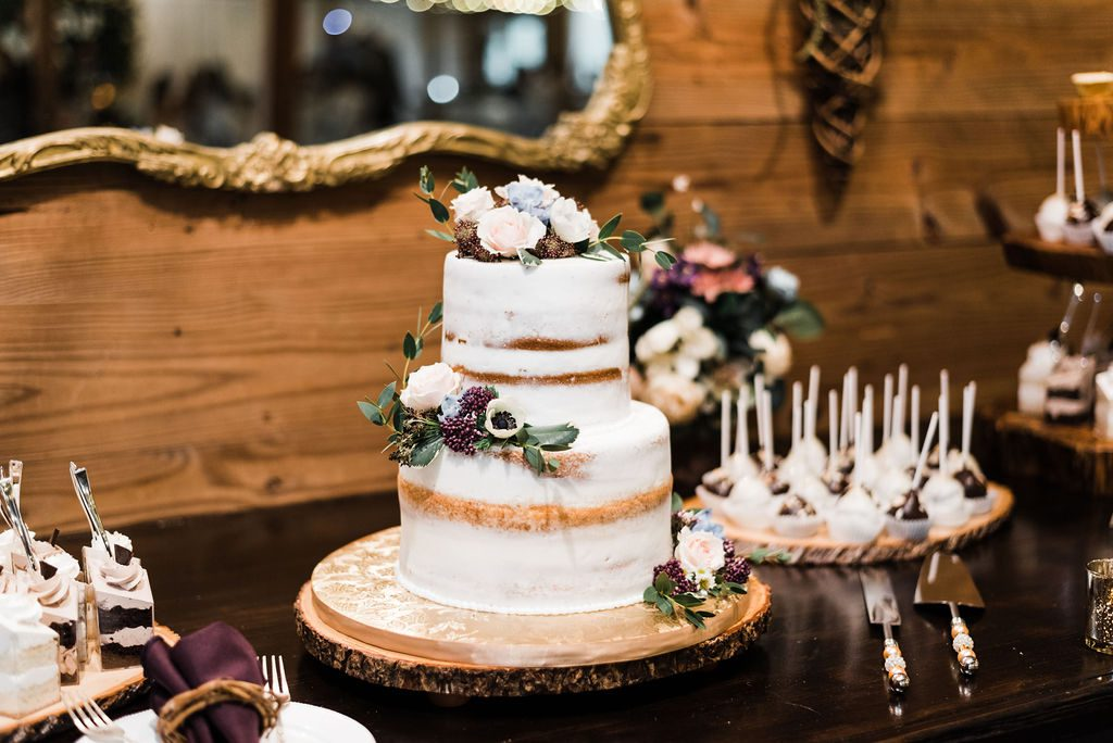 Enchanting boho-inspired wedding cake