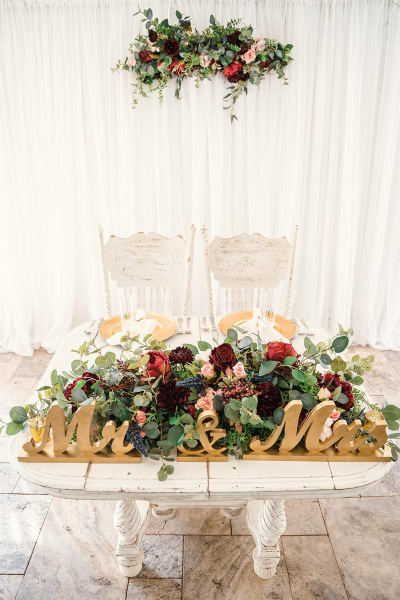 Elegant sweetheart table decor