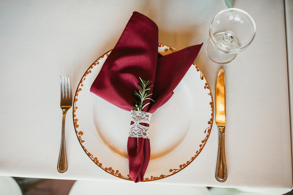 Christmas tablescape decor