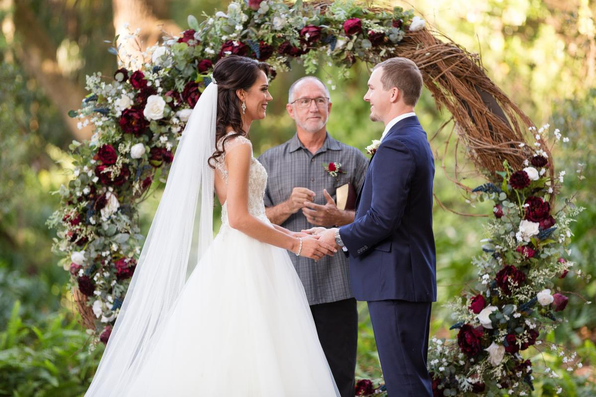Brandi and Brad saying their vows