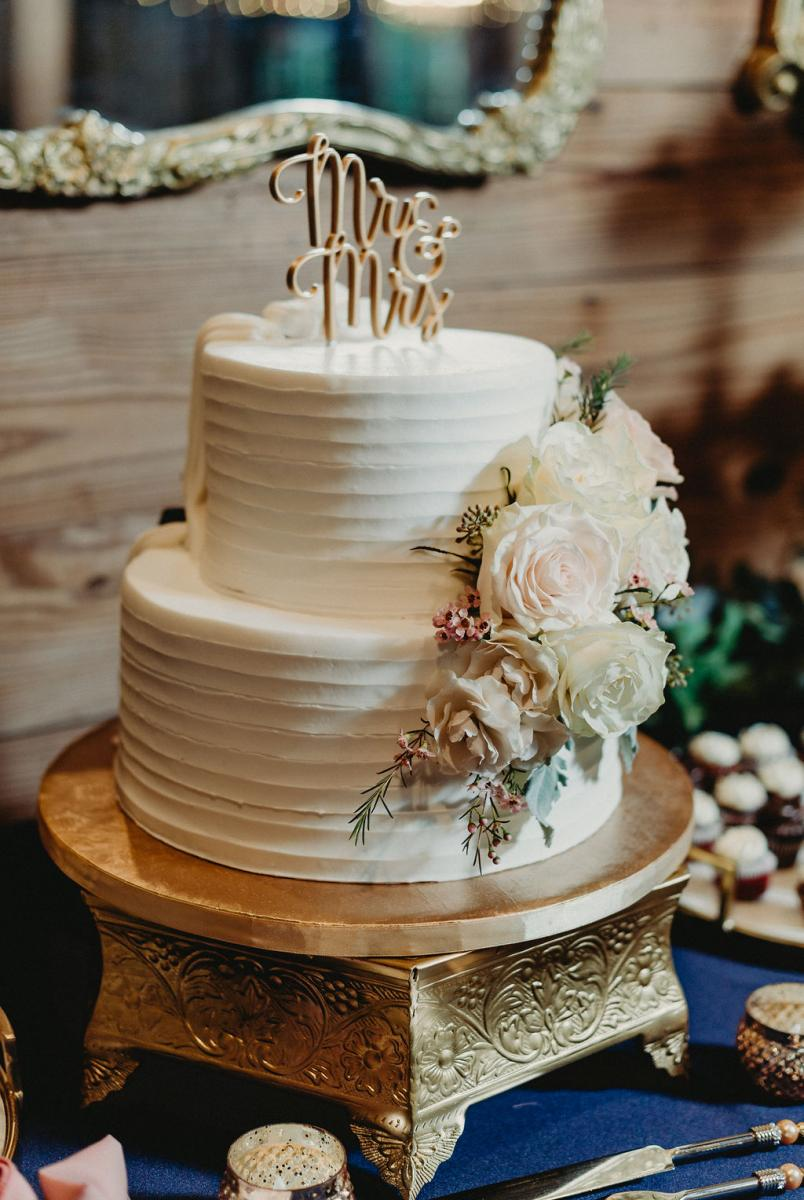The elegant side to Brandy and Anthony's double-sided wedding cake