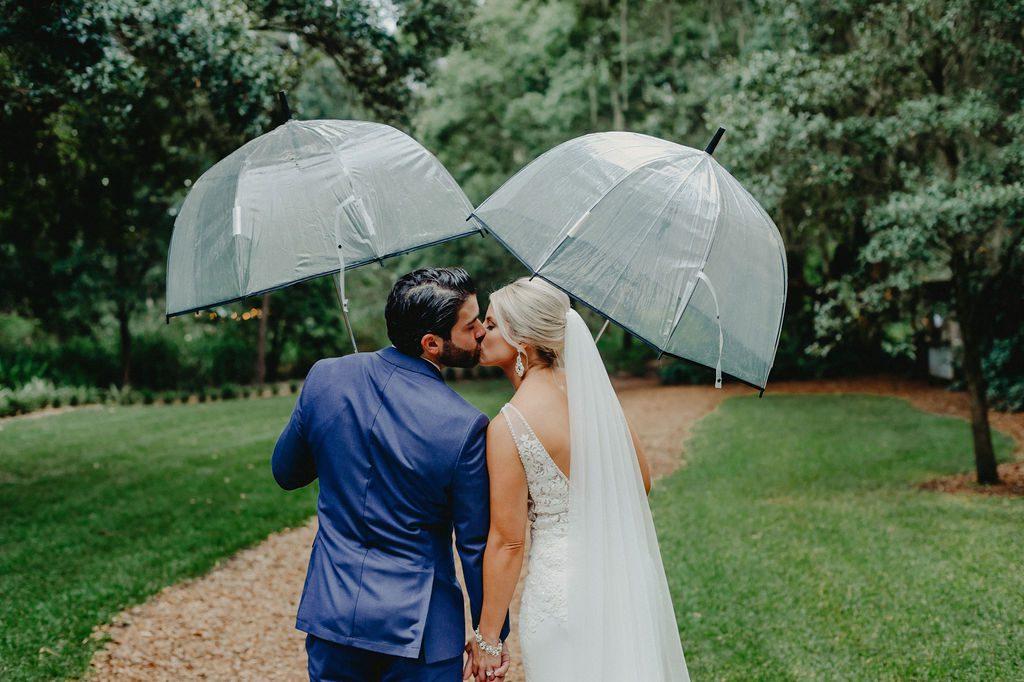 Cute rainy day wedding photos