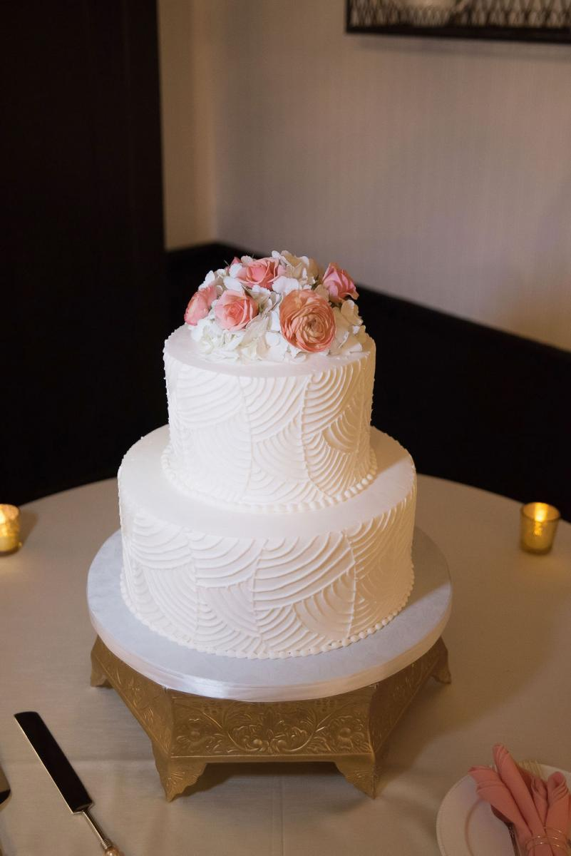 Kathleen and Stephen's two-tier wedding cake