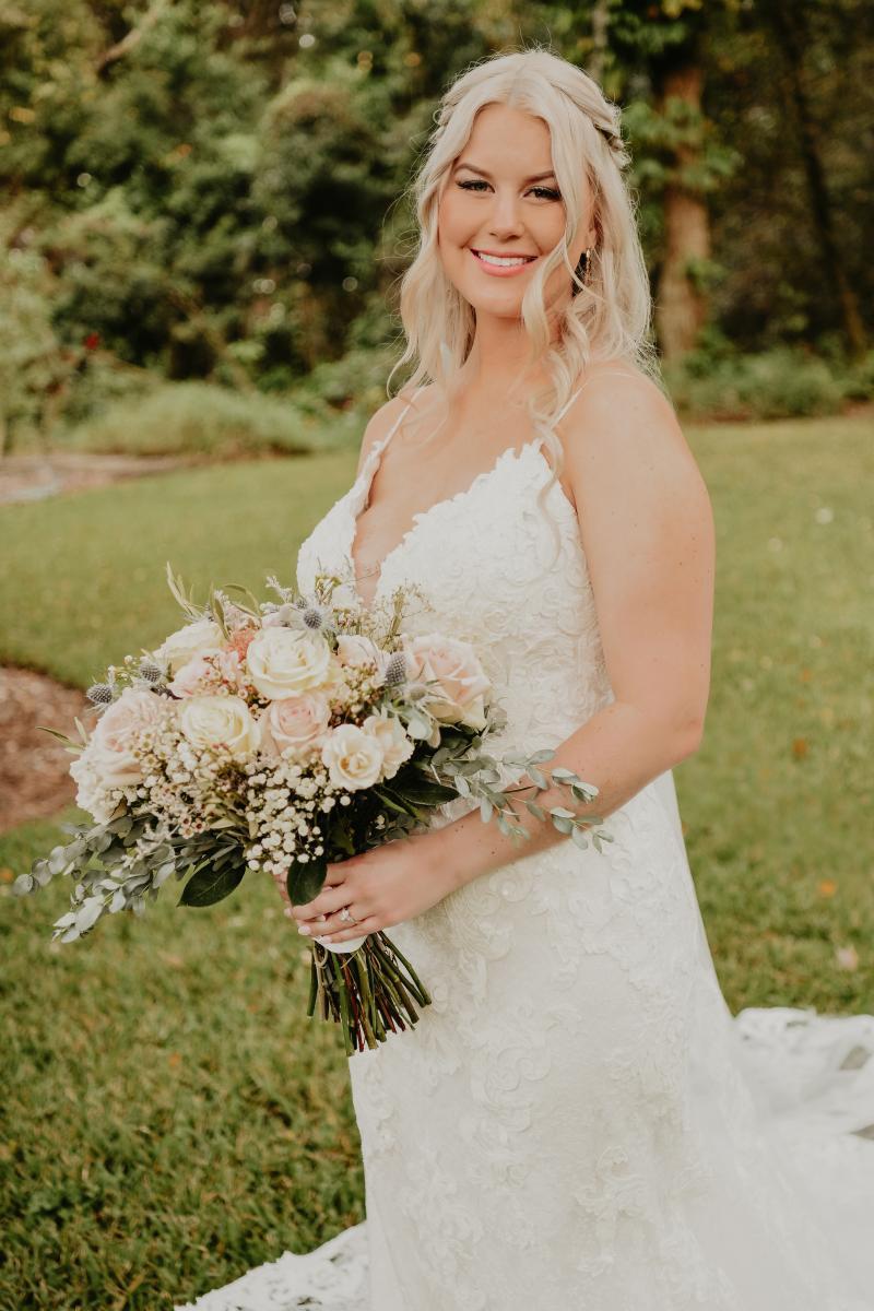 Stunning January bride