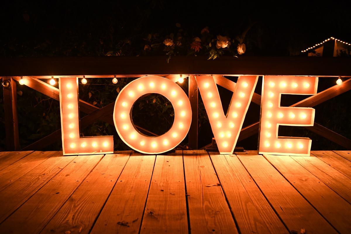 The perfect night time wedding photos