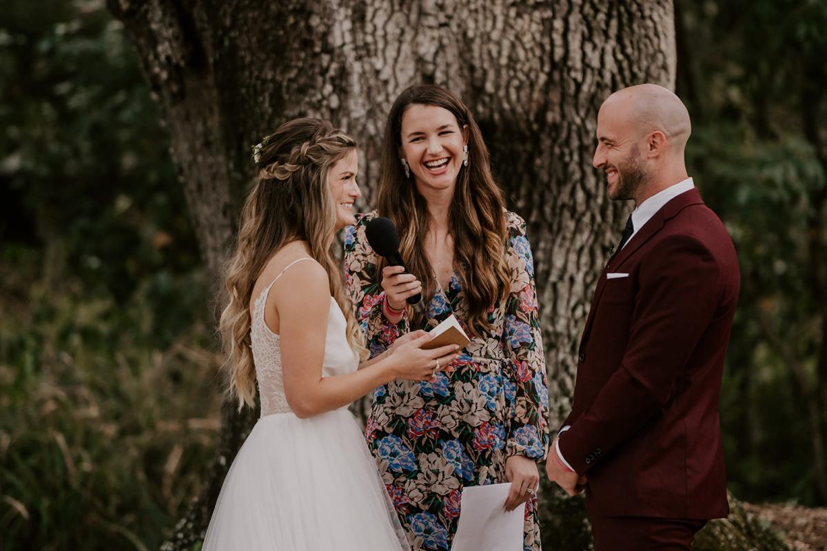 Kirstin and Julian exchanging vows