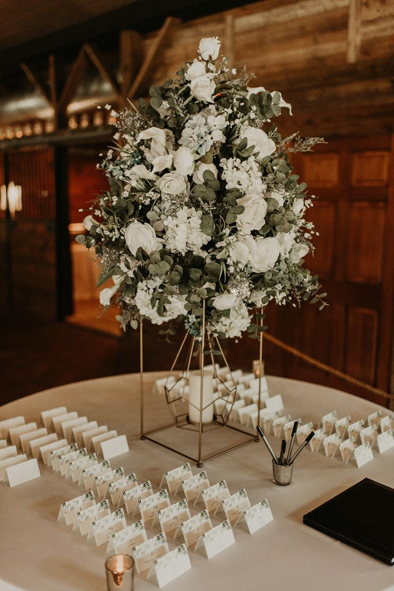 The centerpiece on the entrance table with escort cards