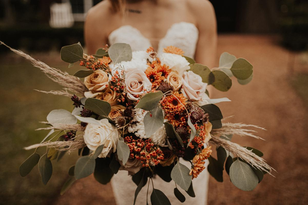 Bohemian bridal bouquet with pampas grass
