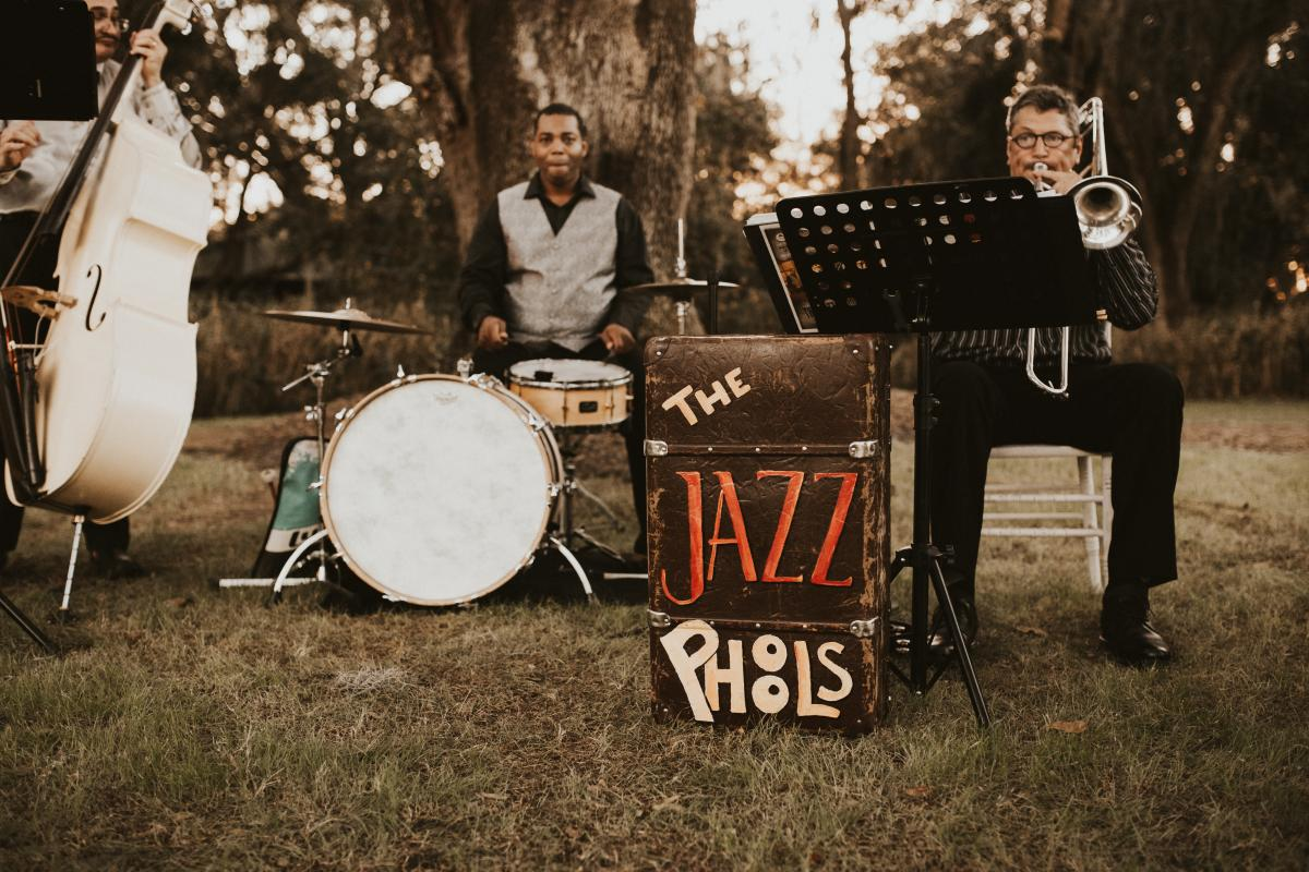 The Jazz Phools playing during cocktail hour
