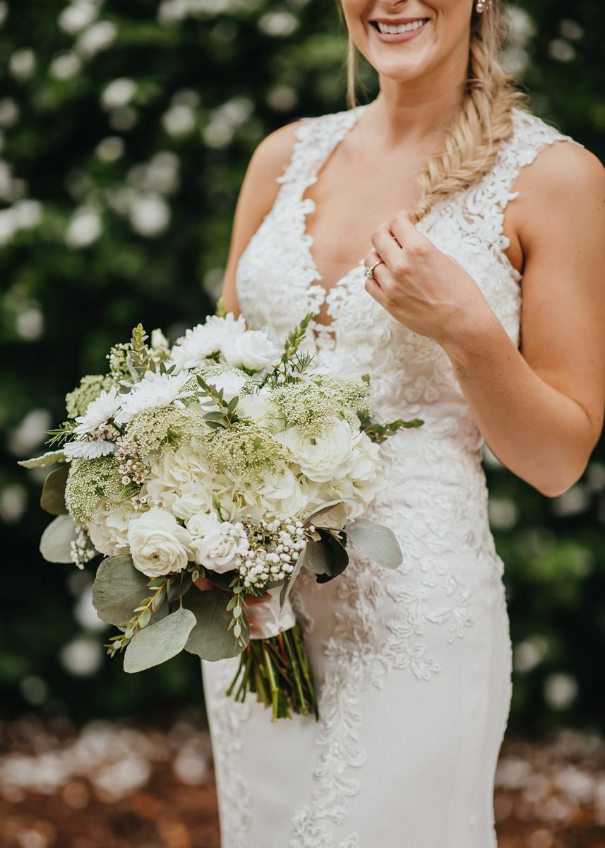 Bri's gorgeous white and green bouquet