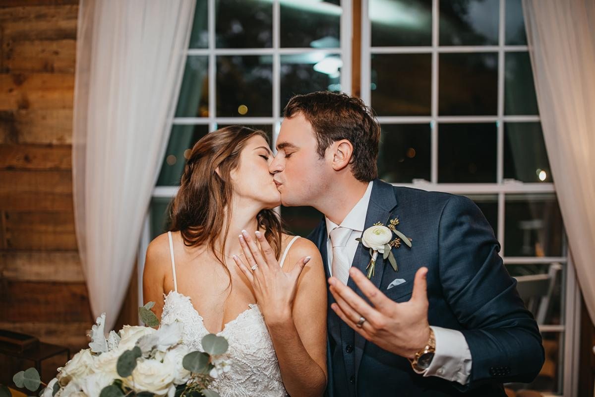 Rachel and David are finally married!