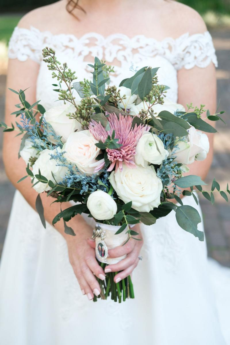 sweet Spring wedding bouquet