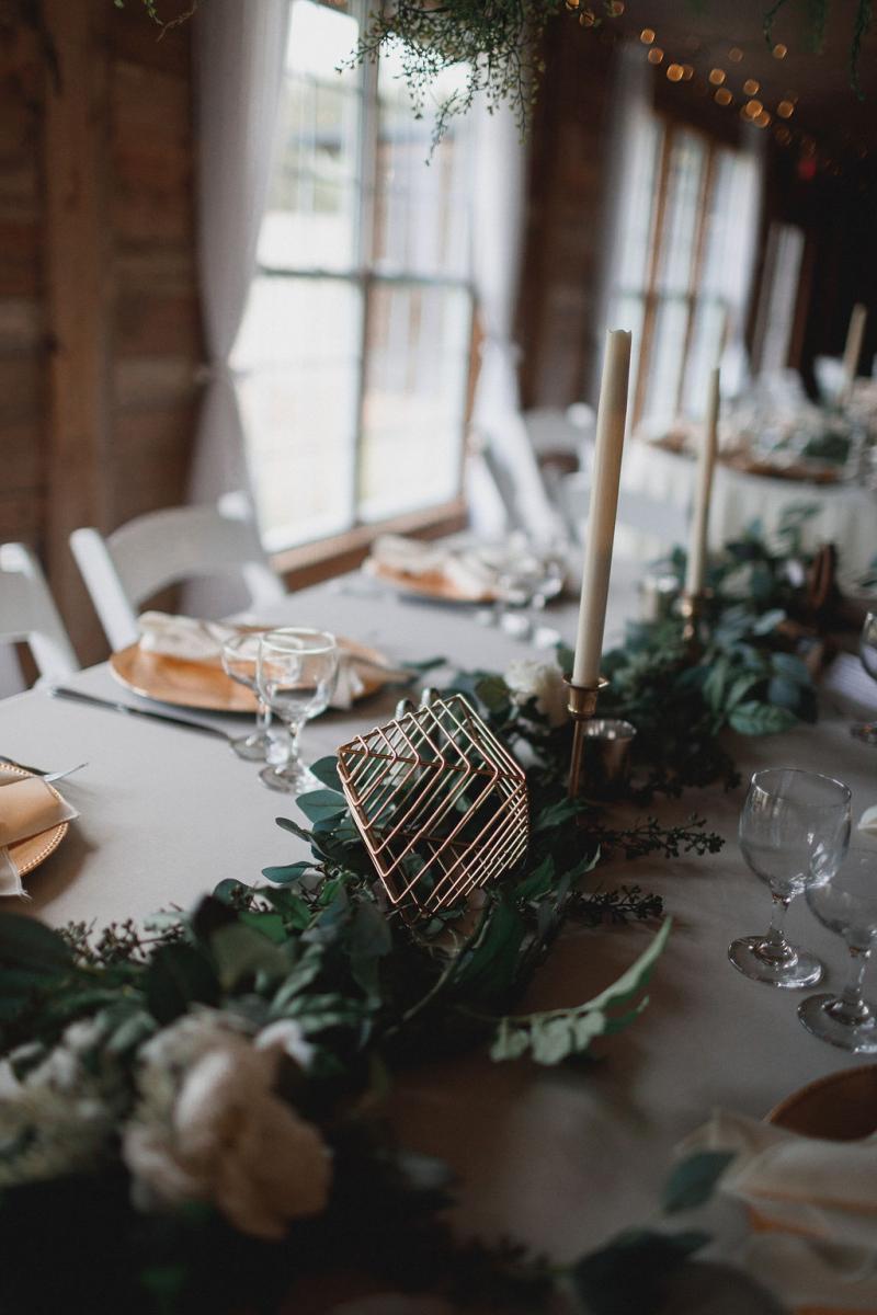 Gold modern wedding details