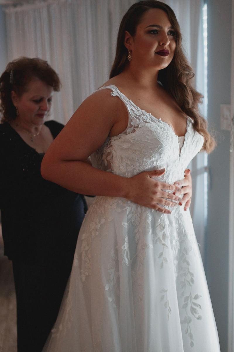 Leaf lace wedding dress