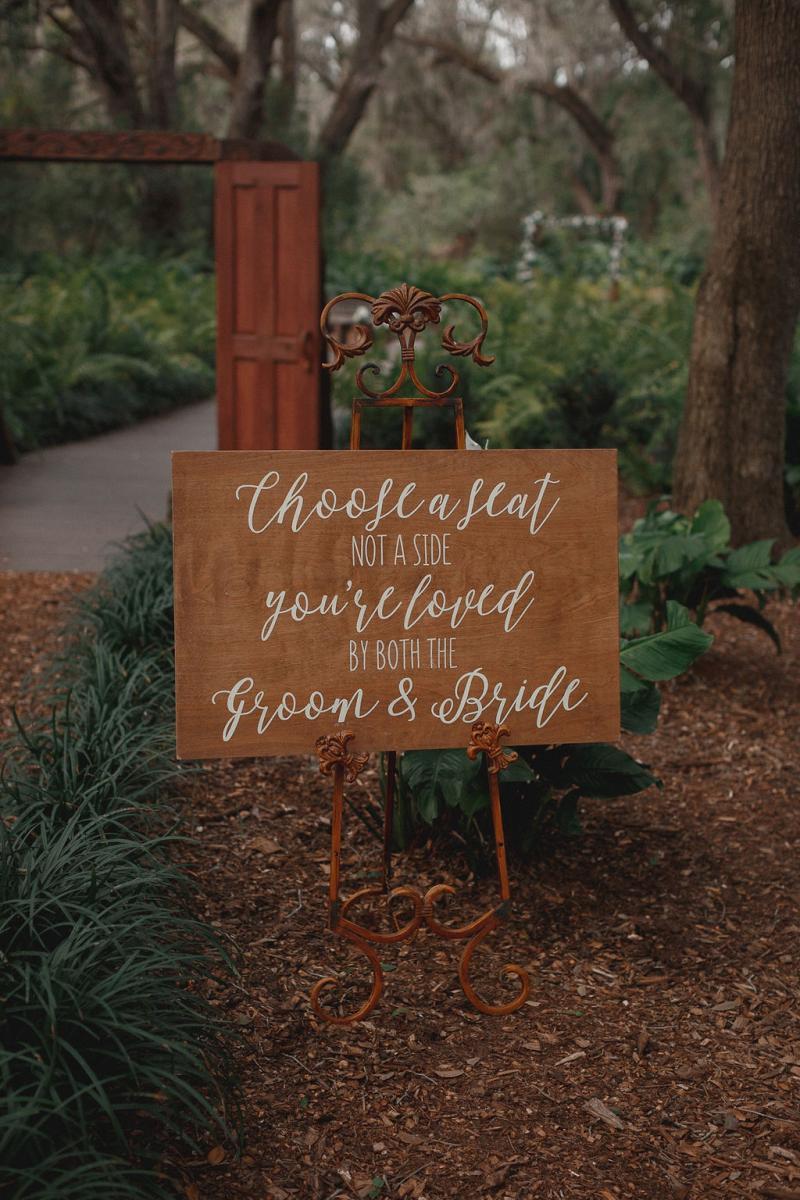 Rustic outdoor wedding in Tampa, Florida