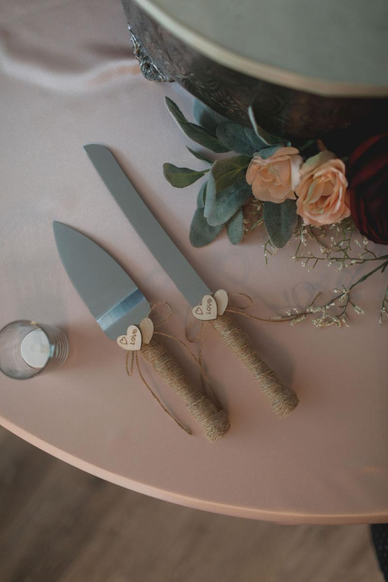 Rustic romantic wedding cake knife and server