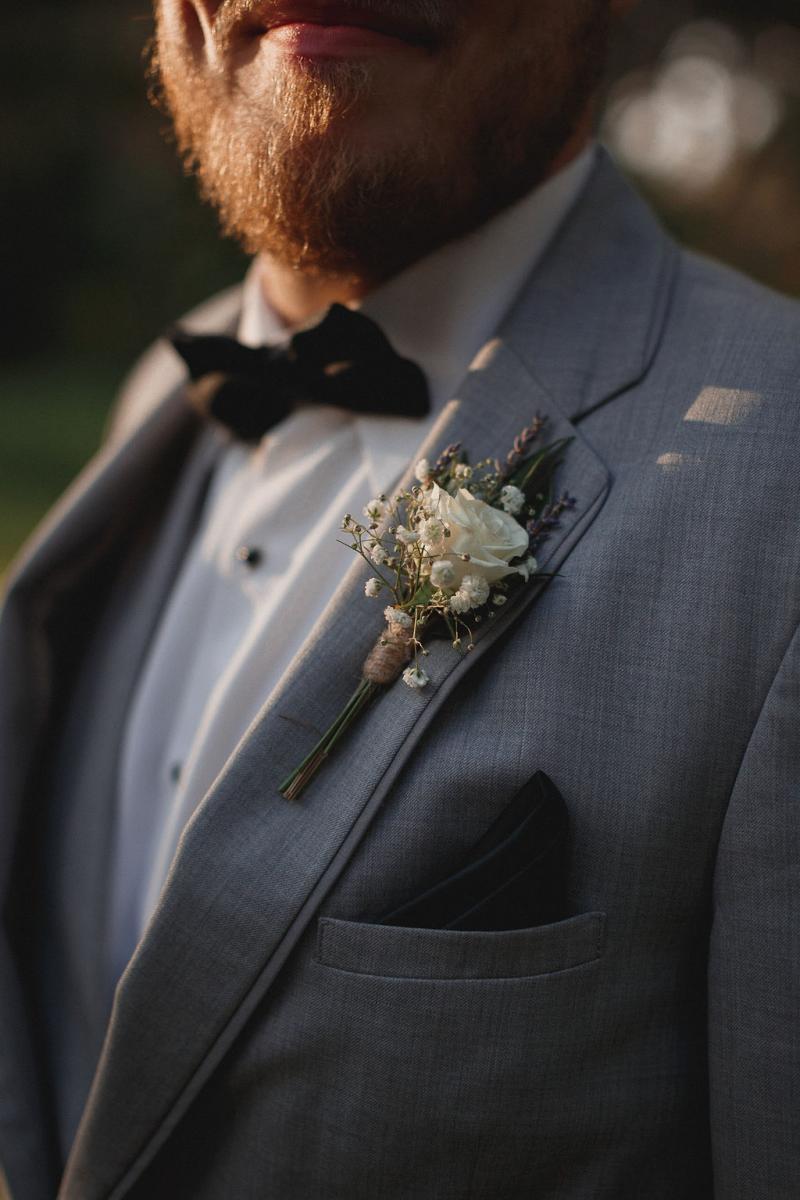Romantic white boutonniere