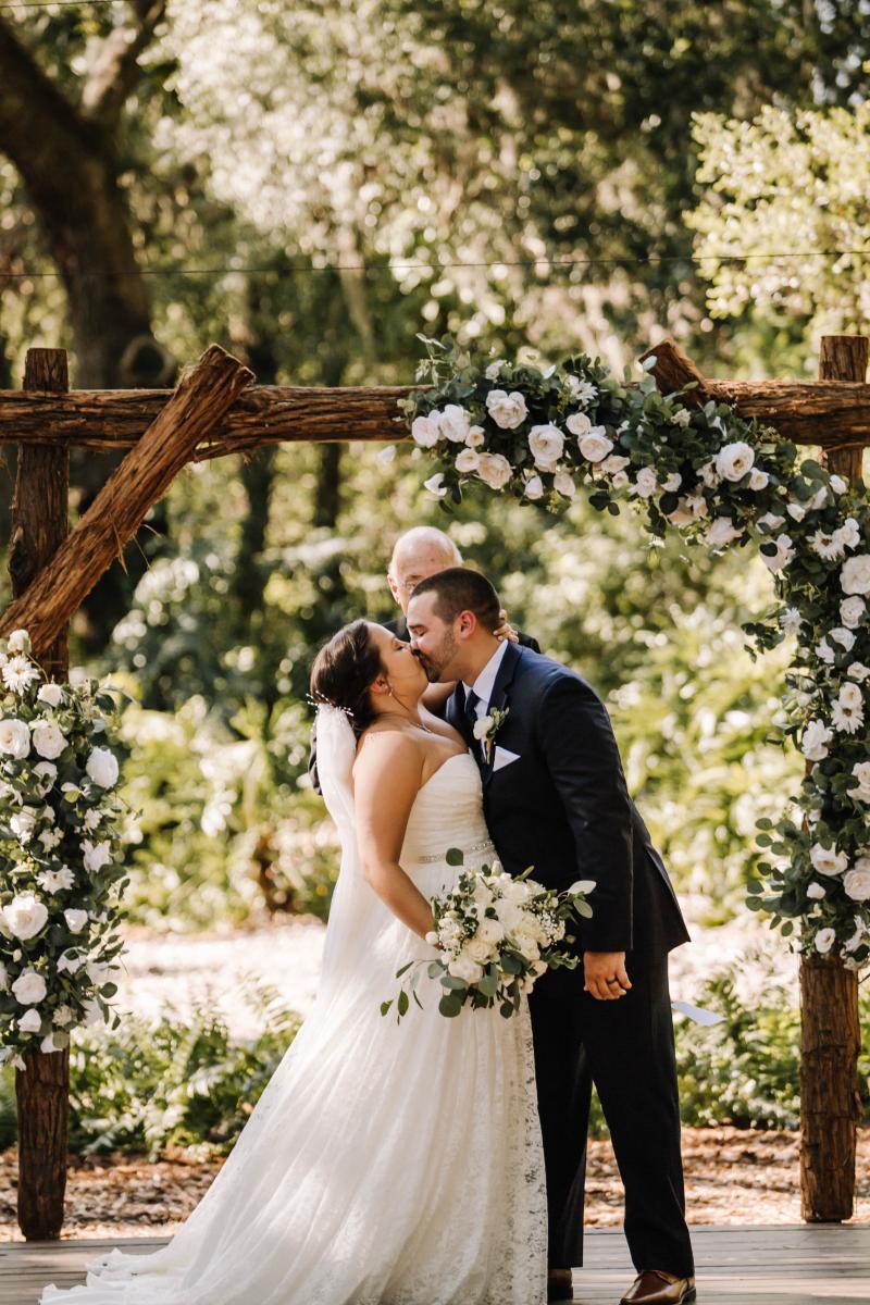 rustic wedding ceremony at Cross Creek Ranch