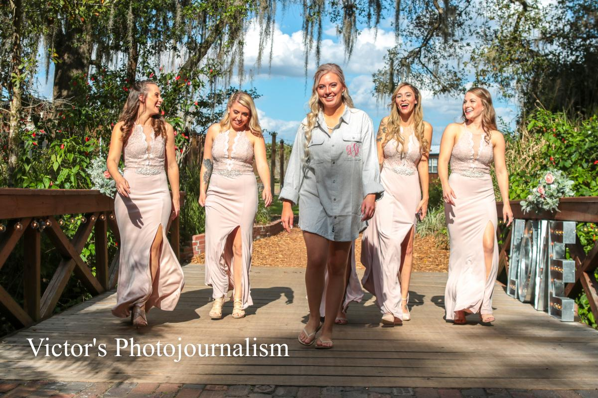 Jenna out on tour with her bridesmaids