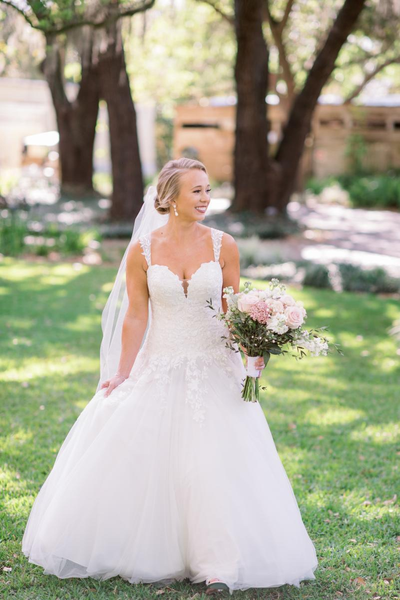 Mikaela looked stunning as a bride