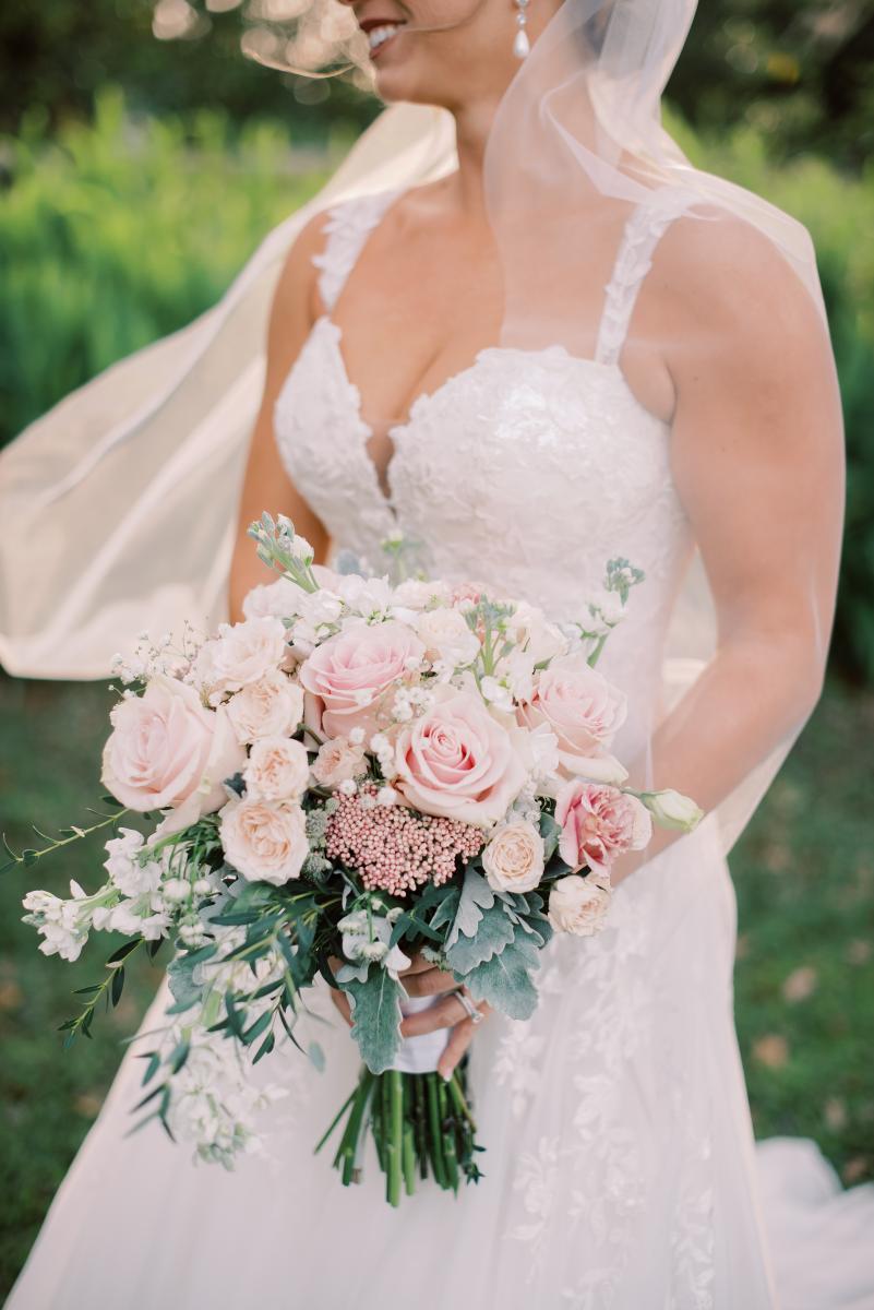 Mikaela's gorgeous bridal bouquet