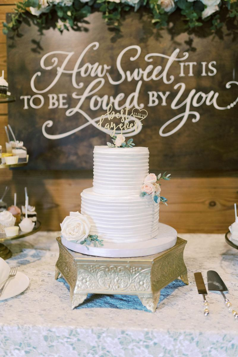 KC and Todd's simply elegant wedding cake