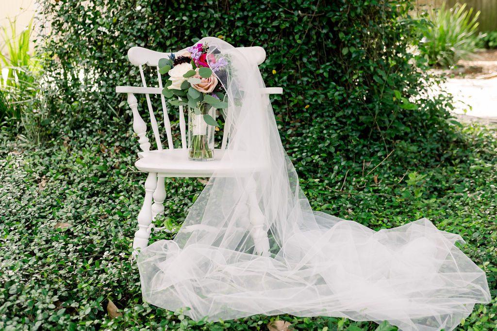 Mandy's gorgeous bouquet and veil