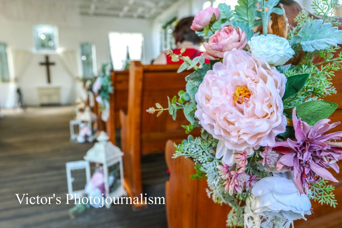 Vintage wedding ceremony flowers