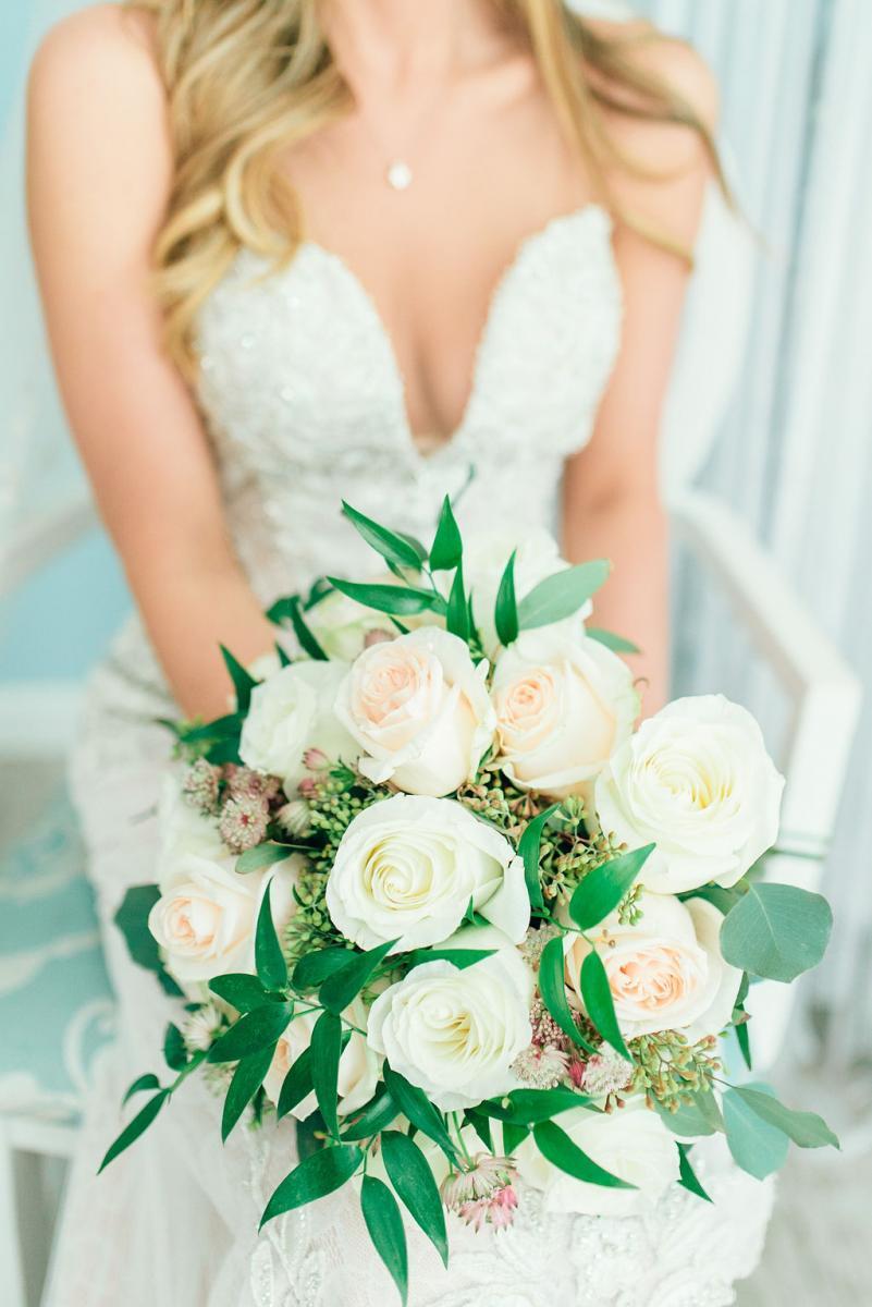 Sinnikka's elegant bridal bouquet