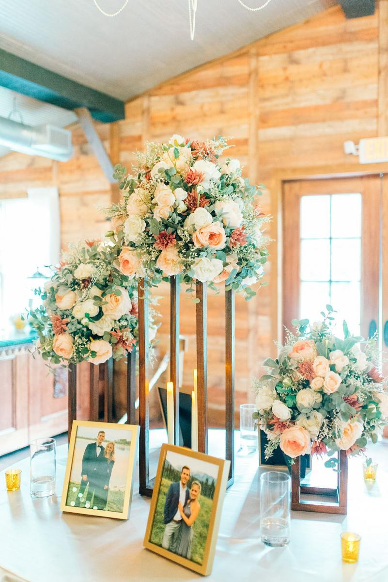 Elegant wedding with romantic florals