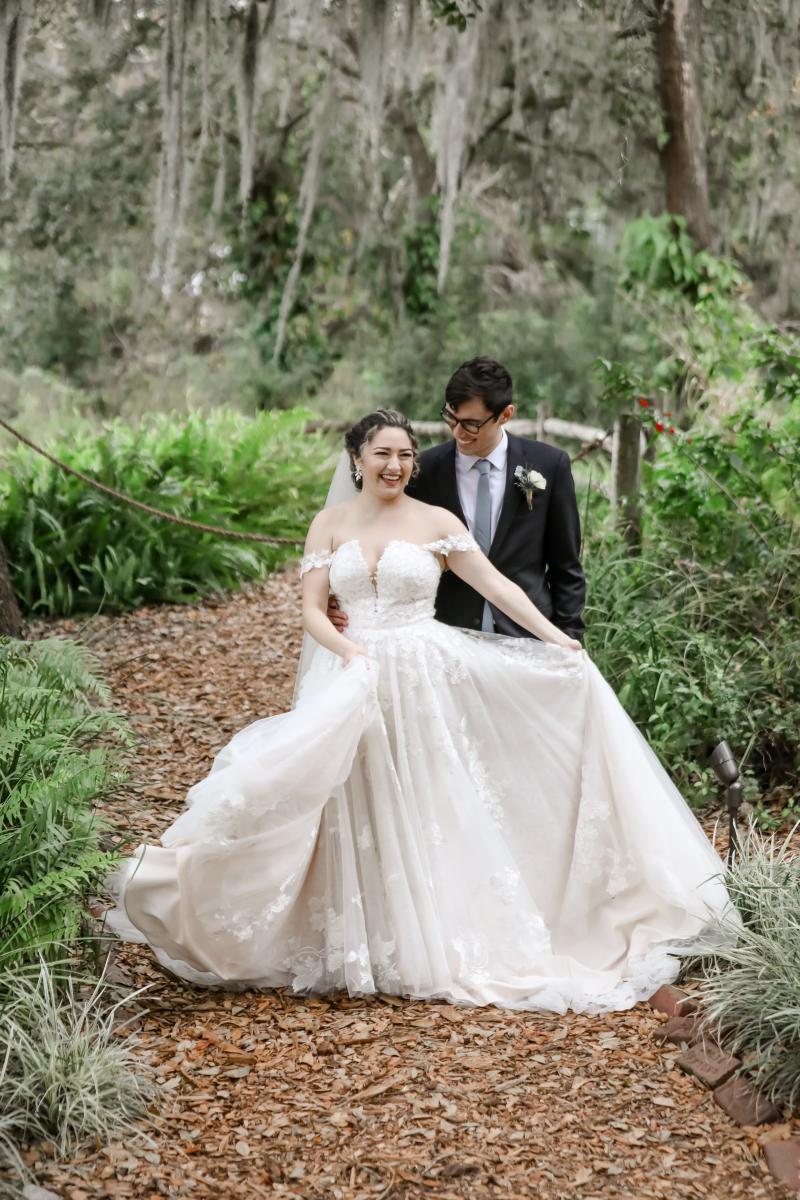 Romantic wedding sweetheart photos