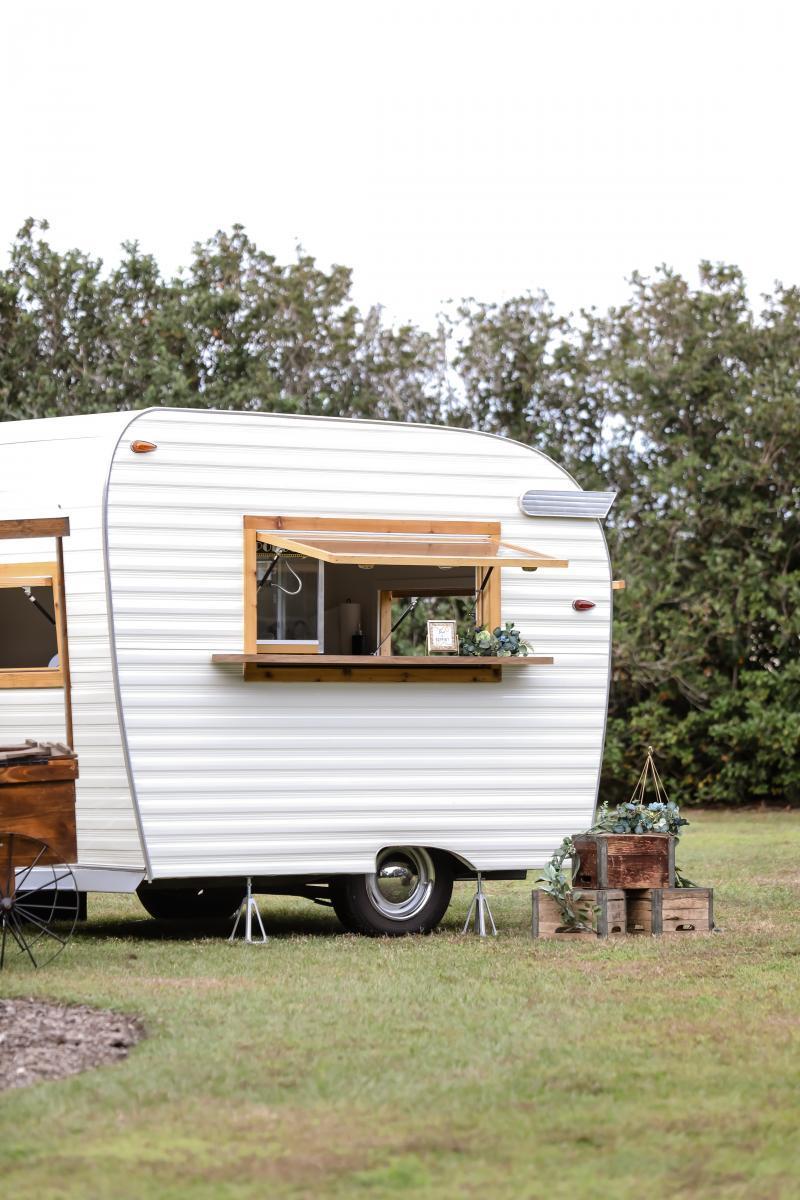 Wedding vintage caravan