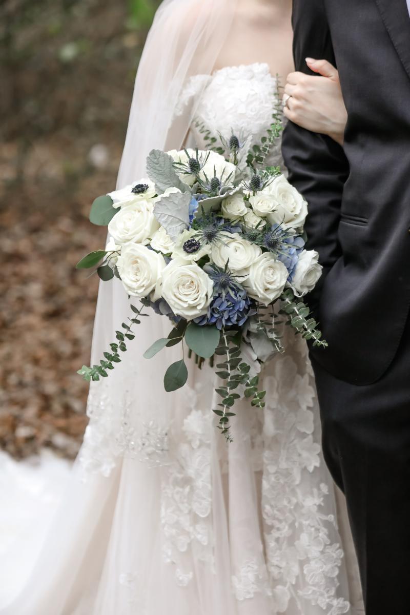 Winter wedding flowers