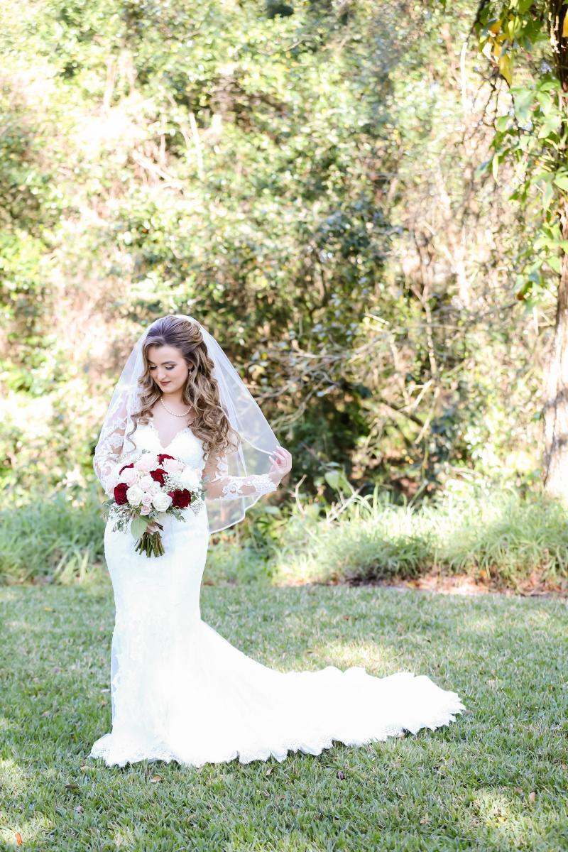 Kayla looked stunning in mermaid wedding gown