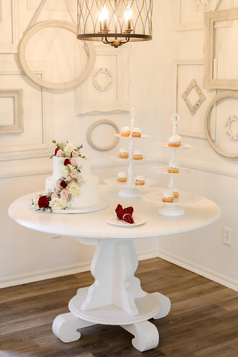 Elegant wedding cake with cascading flowers
