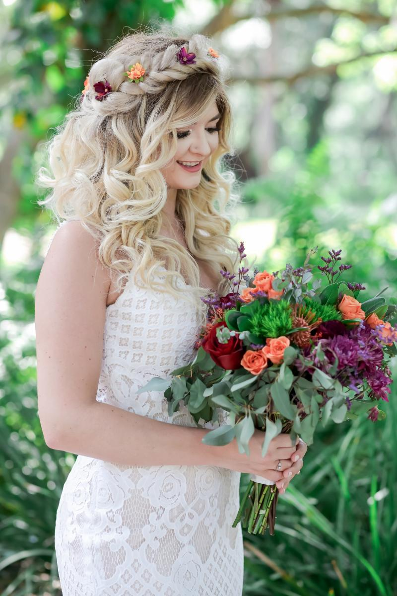 Moody boho bridal bouquet