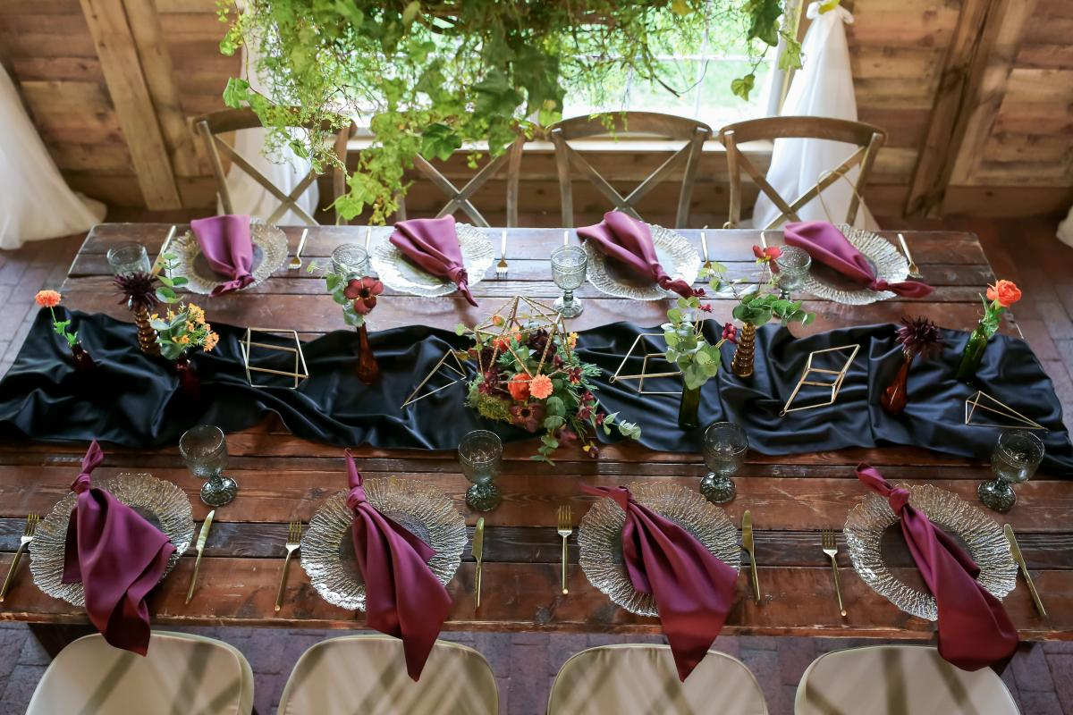 Table display for the moody boho styled shoot