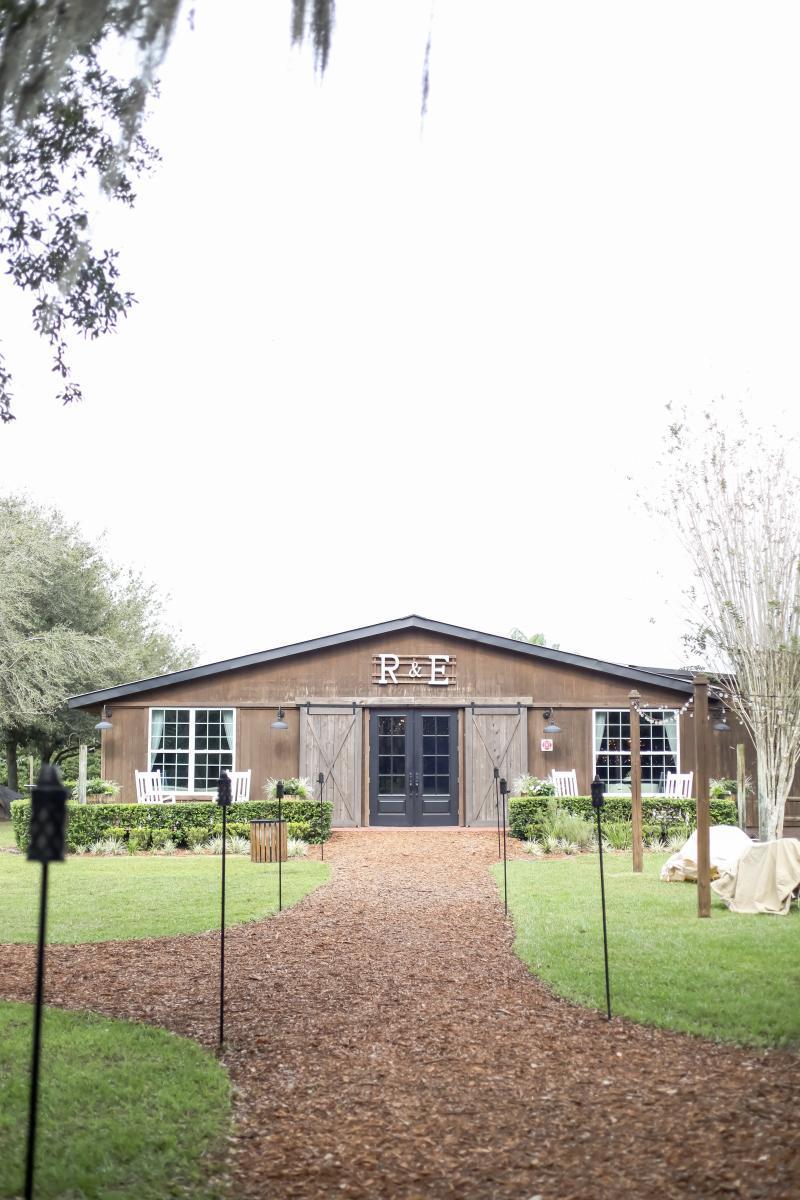 Florida barn wedding venue - The Carriage House Stable