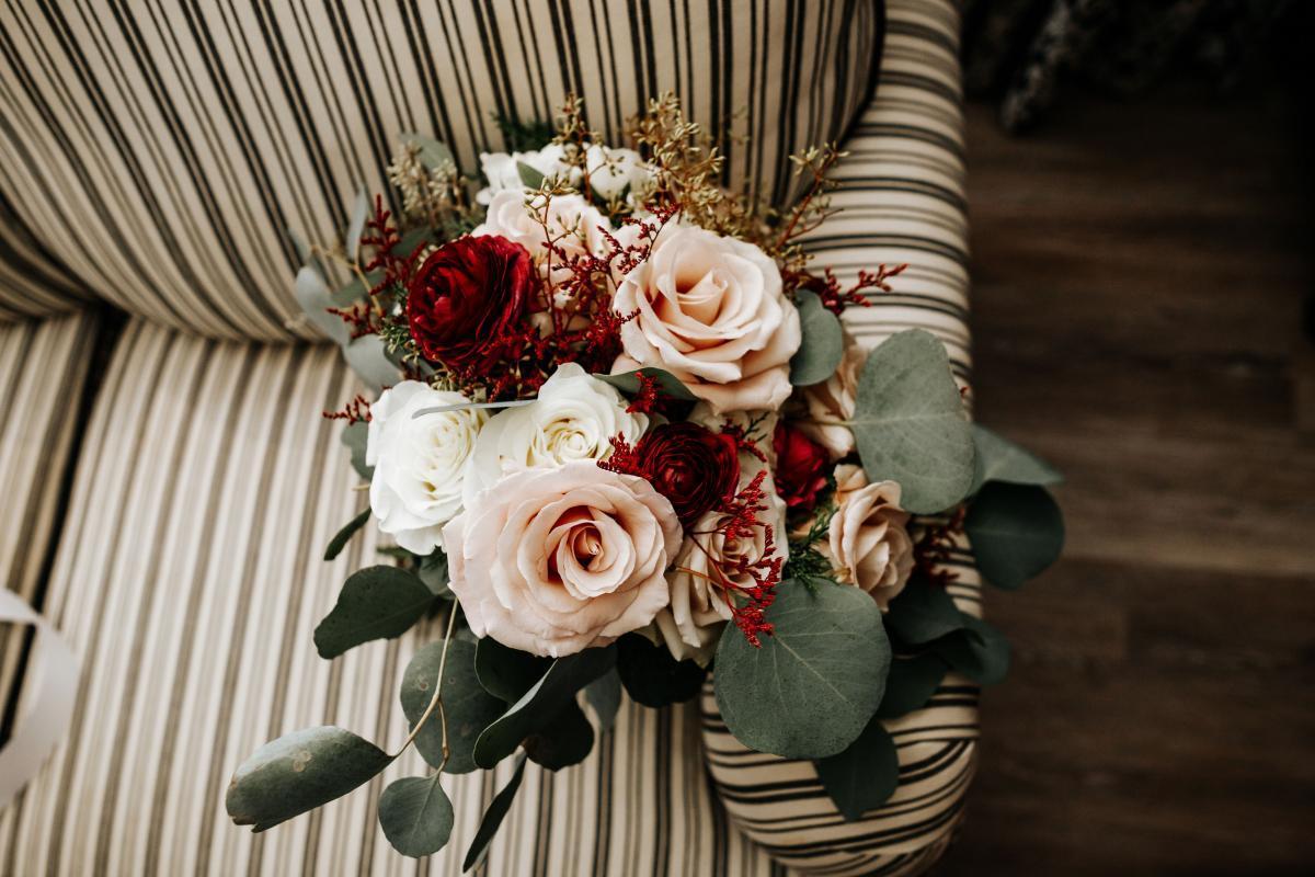 dreamy winter wedding flowers